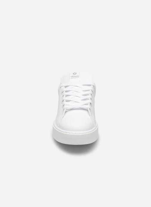 Baskets Victoria Utopía Piel Vegana Mono Blanc vue portées chaussures