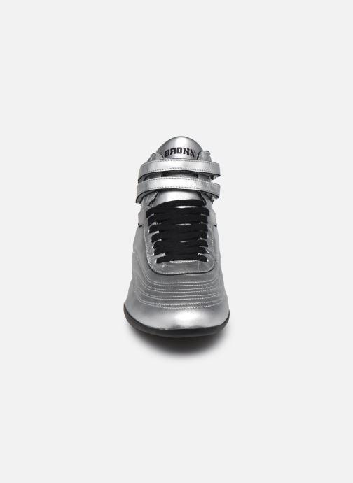 Sneaker Bronx SAN-SAI weiß schuhe getragen