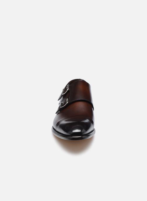 Schuhe mit Schnallen Doucal's DU2743 braun schuhe getragen