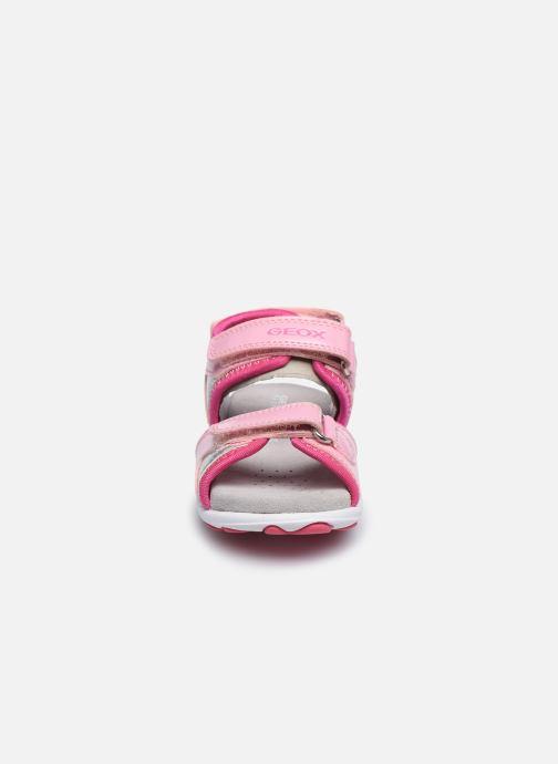 Sandales et nu-pieds Geox B Sandal Cuore B0290A Rose vue portées chaussures