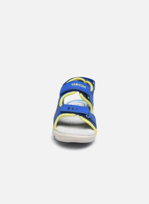 Sandales et nu-pieds Geox Jr Sandal Pianeta J0264B Bleu vue portées chaussures