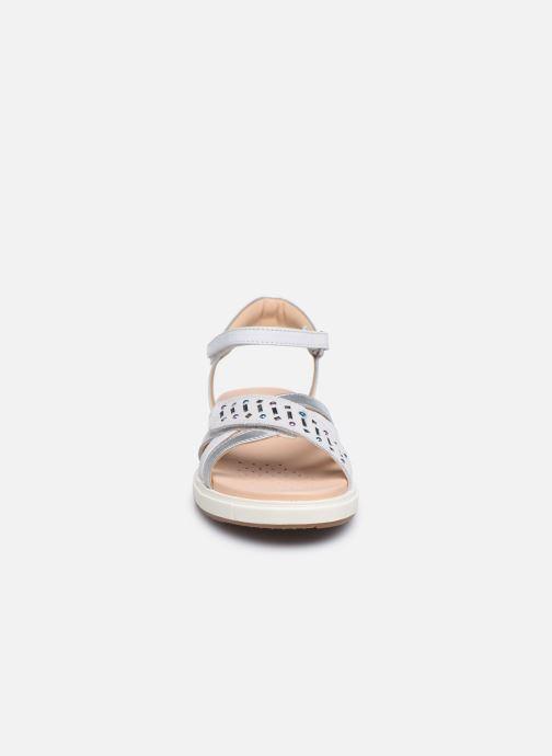 Sandalen Geox J Sandal Rebecca Gir J02BLF weiß schuhe getragen