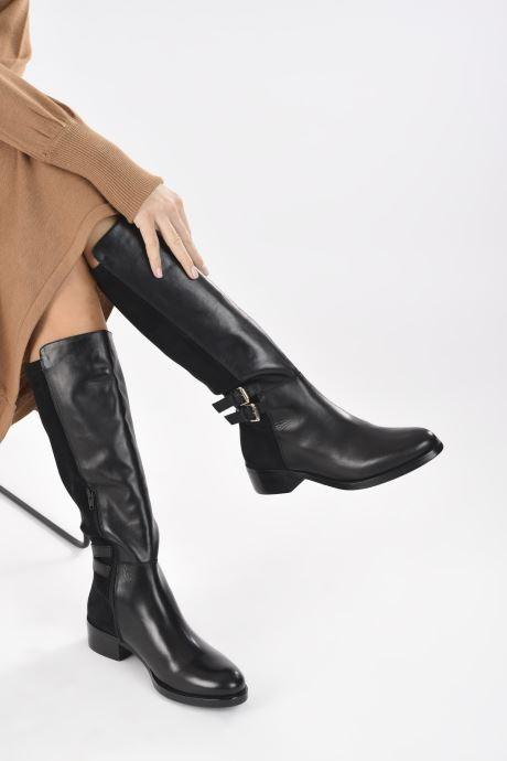 Stiefel Georgia Rose Kirby schwarz ansicht von unten / tasche getragen