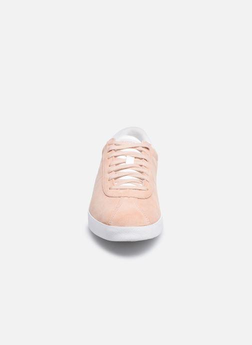 Sneakers Le Coq Sportif Ambre Rosa modello indossato