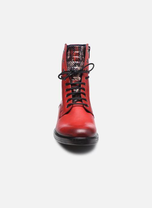 Stivaletti e tronchetti Dorking D8289 Matrix Rosso modello indossato