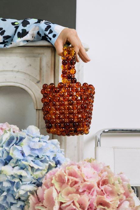 Handtaschen Moune Paris Fred braun ansicht von unten / tasche getragen