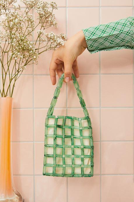 Handtaschen Moune Paris Grinie grün ansicht von unten / tasche getragen