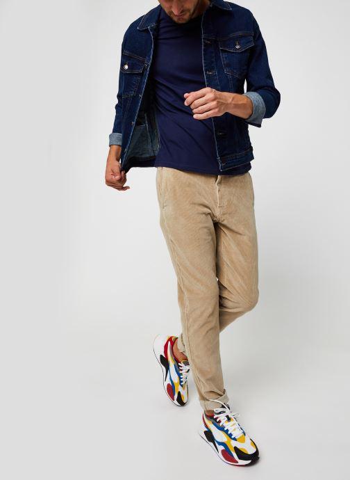 Vêtements Levi's Standard Taper Chino Beige vue bas / vue portée sac