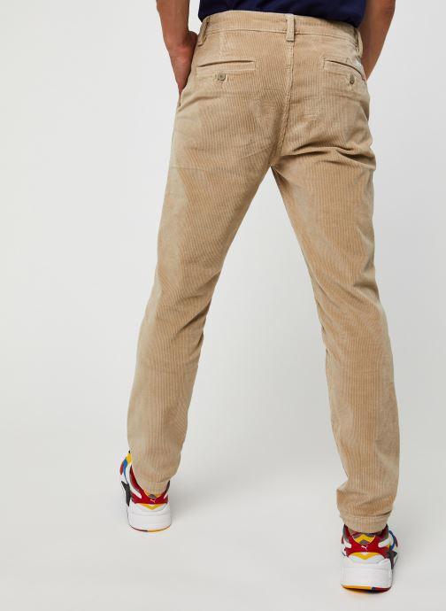 Vêtements Levi's Standard Taper Chino Beige vue portées chaussures