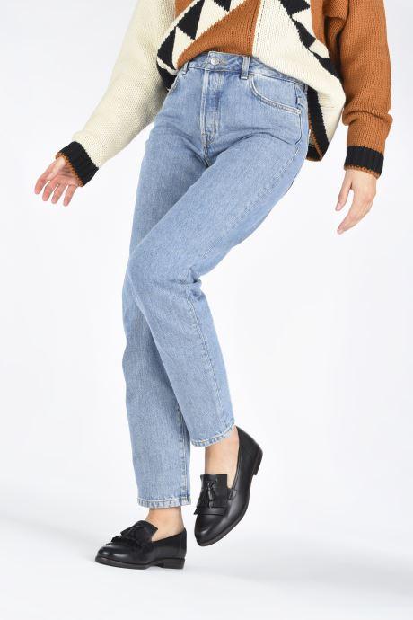 Slipper Caprice Aura schwarz ansicht von unten / tasche getragen