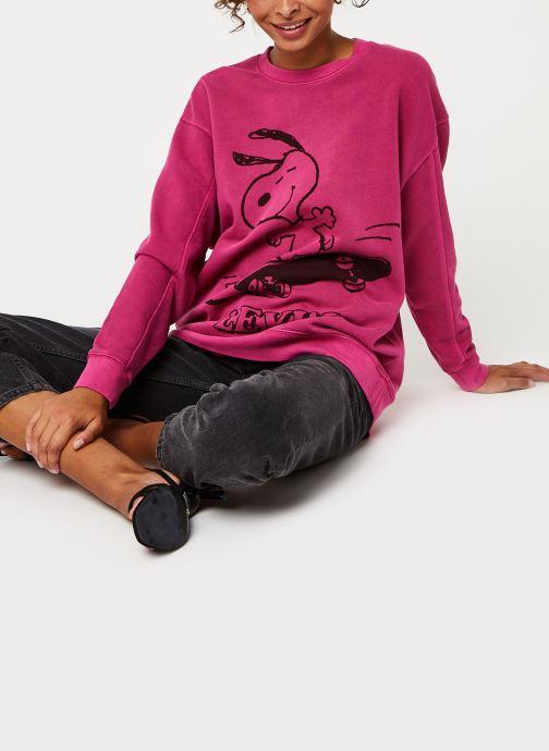 Vêtements Levi's Unbasic Crew Sweatshirt Rose vue bas / vue portée sac
