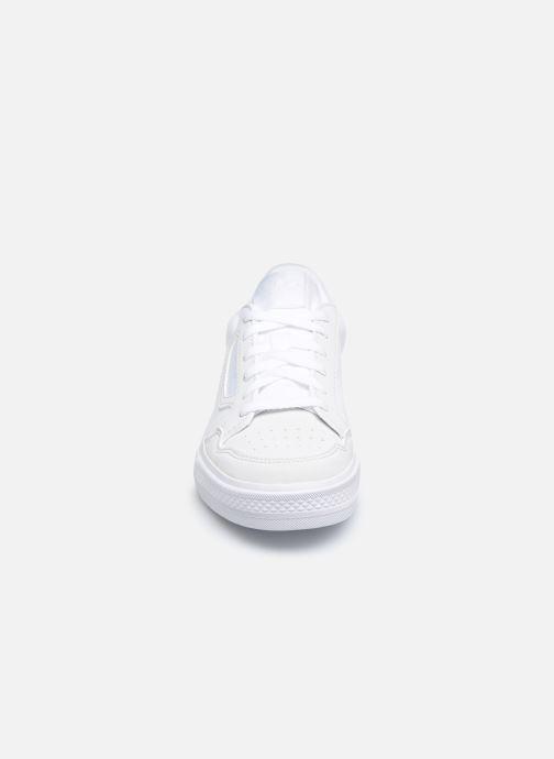 Sneakers adidas originals Continental Vulc C Bianco modello indossato