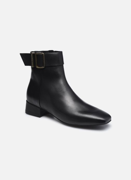 LEATHER SQUARE TOE MID HEEL BOOT