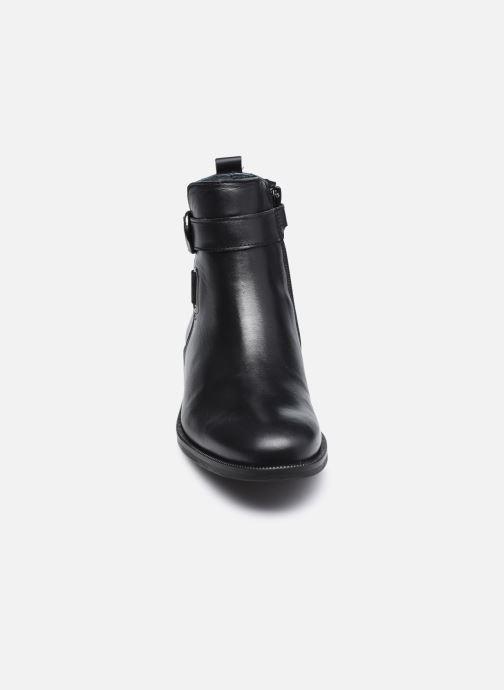 Stivaletti e tronchetti Ubik 9151 Nero modello indossato