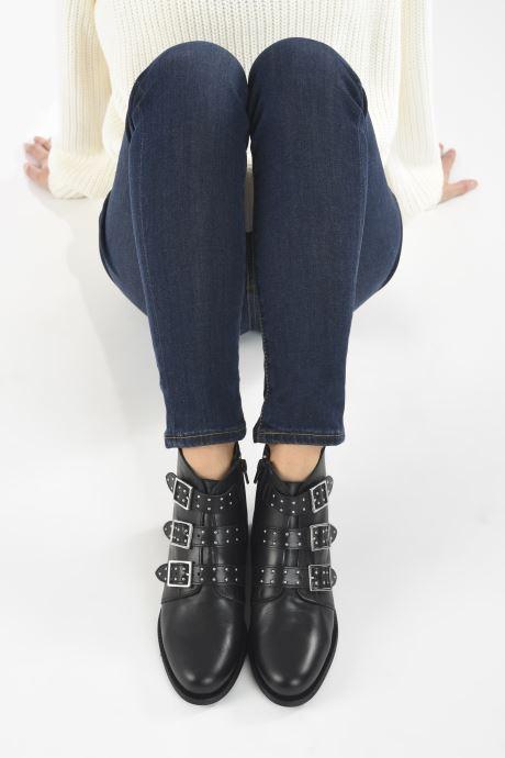 Stiefeletten & Boots Georgia Rose Carmilo schwarz ansicht von unten / tasche getragen