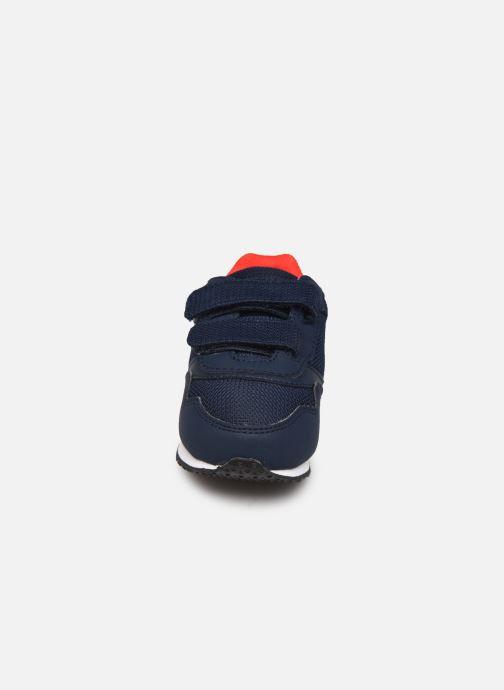 Sneakers Le Coq Sportif JAZY INF Azzurro modello indossato