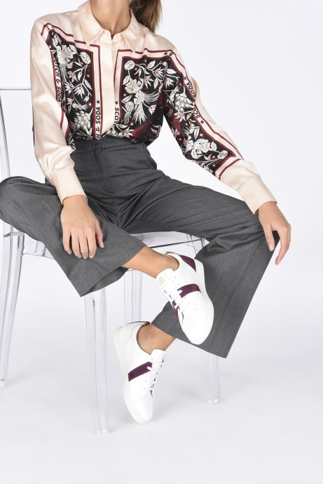 Sneaker Caval Vincent&Mia F weiß ansicht von unten / tasche getragen