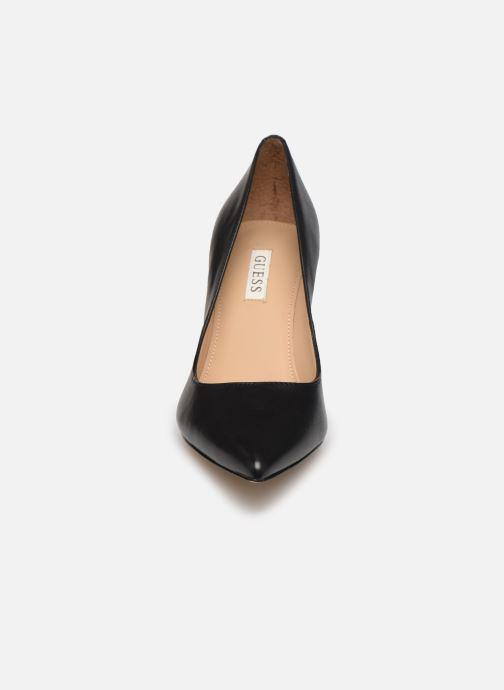 Escarpins Guess FL7DAE LEA08 Noir vue portées chaussures