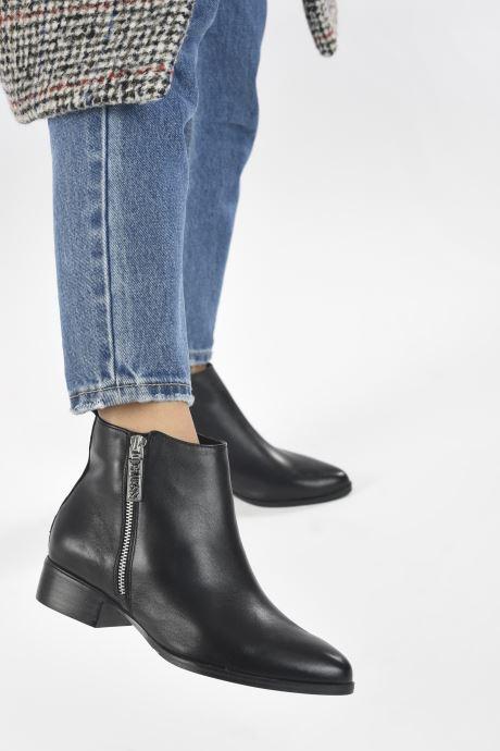 Bottines et boots Guess FL7VAY LEA10 Noir vue bas / vue portée sac