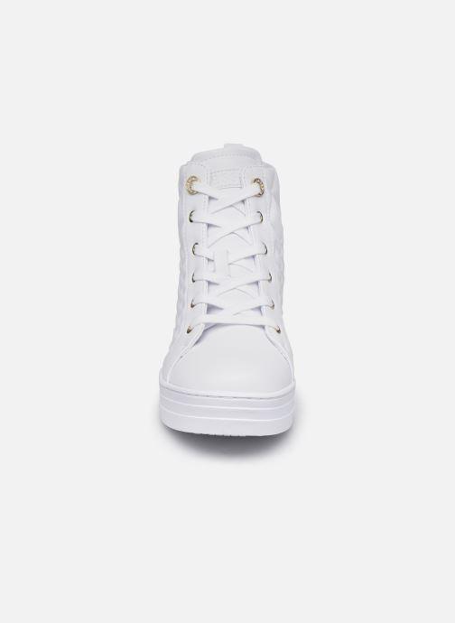 Baskets Guess FL7FAE ELE12 Blanc vue portées chaussures