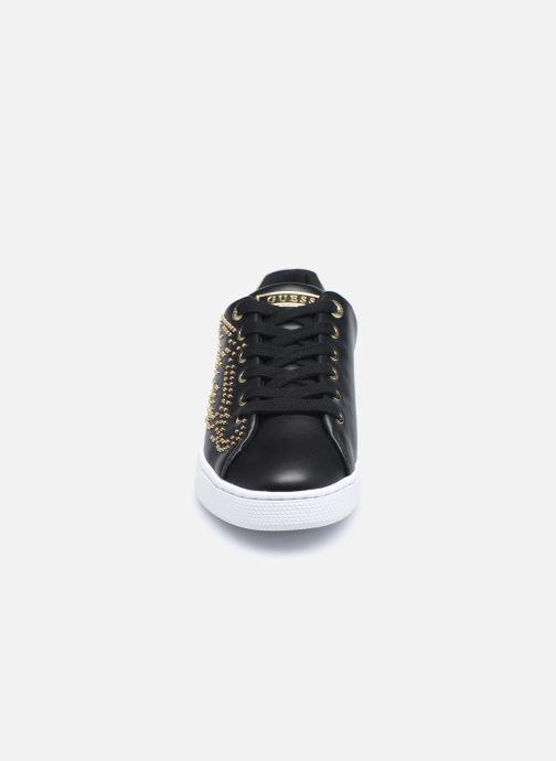 Baskets Guess FL7RAZ ELE12 Noir vue portées chaussures
