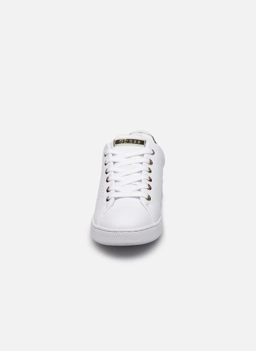 Sneakers Guess FL7RAO ELE12 Bianco modello indossato