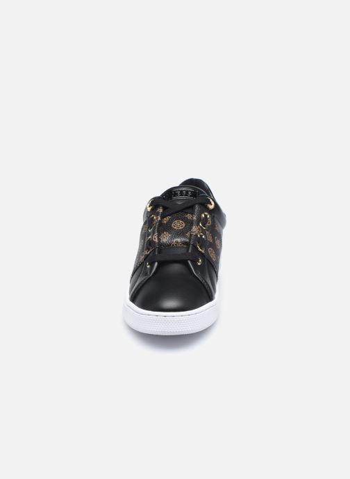 Baskets Guess FL7RJA FAL12 Noir vue portées chaussures