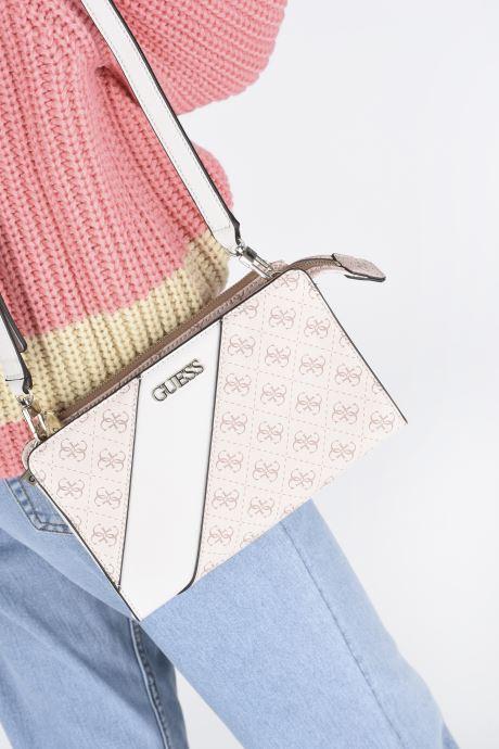 Handtaschen Guess CAMY MINI CROSSBODY rosa ansicht von unten / tasche getragen