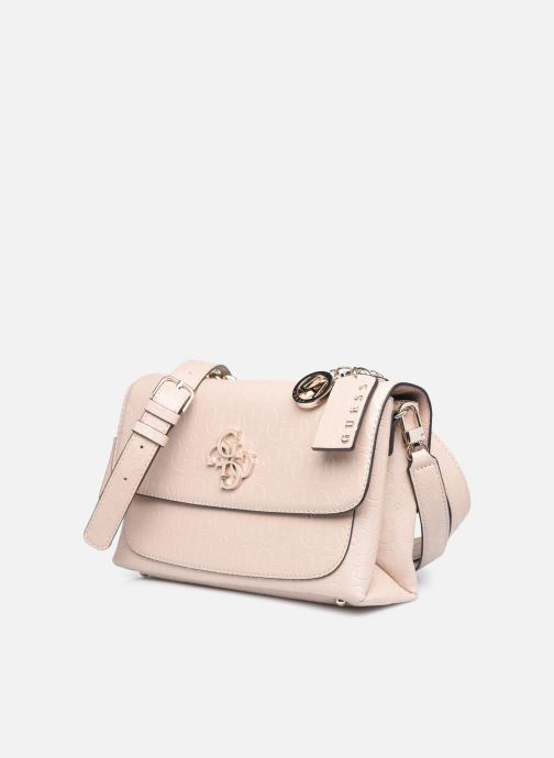 Bolsos de mano Guess CHIC SHINE SHOULDER BAG Rosa vista del modelo
