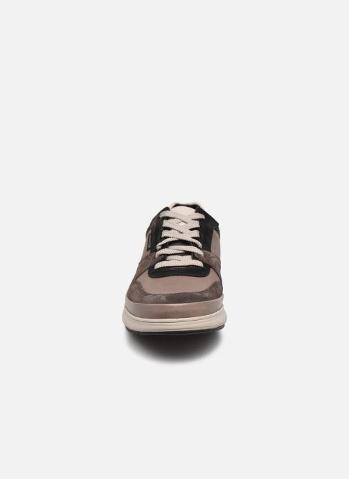 Baskets Mephisto JULIEN C Marron vue portées chaussures