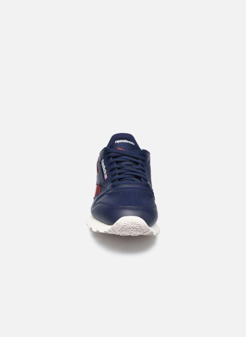 Sneakers Reebok Cl Lthr M Azzurro modello indossato