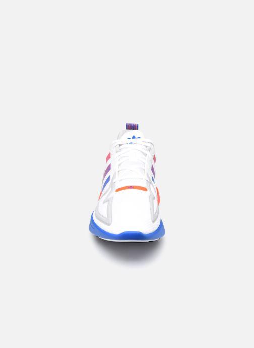 Baskets adidas originals Zx 2K Flux Gris vue portées chaussures