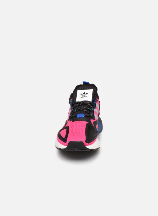 Sneakers adidas originals Zx 2K Boost W Rosa modello indossato