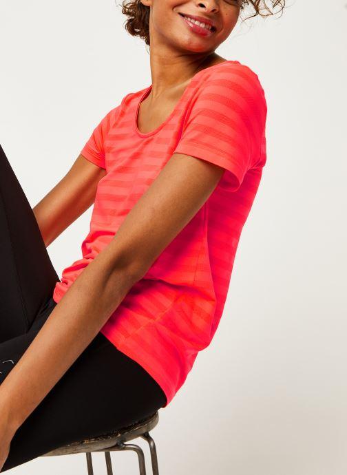 Vêtements Only Play Onpsue V-Neck Ss Training Tee Orange vue détail/paire