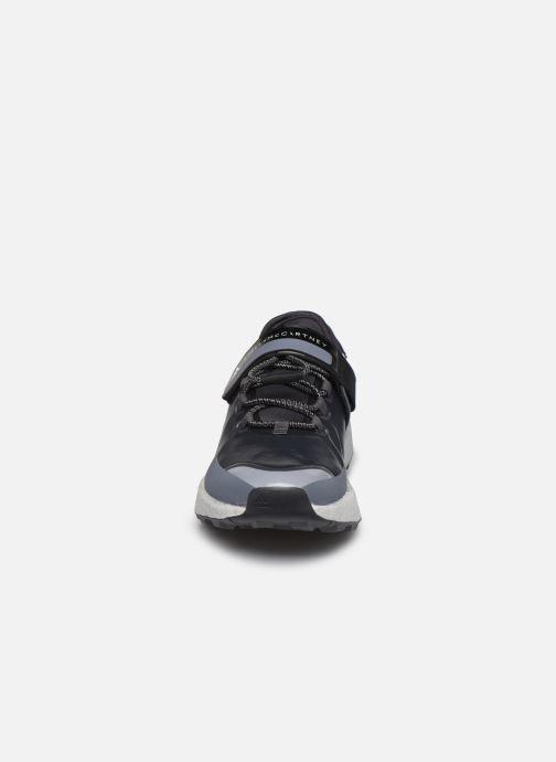 Zapatillas de deporte adidas by Stella McCartney Outdoorbooost R.Rdy Gris vista del modelo