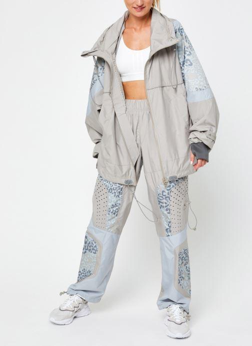 Vêtements adidas by Stella McCartney Training Jkt Beige vue bas / vue portée sac