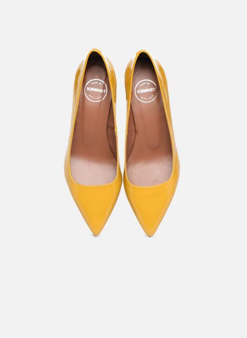 Zapatos de tacón Made by SARENZA Sartorial Folk Escarpins #2 Amarillo vista del modelo