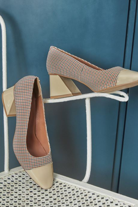 Zapatos de tacón Made by SARENZA Classic Mix Escarpins #3 Beige vista de abajo