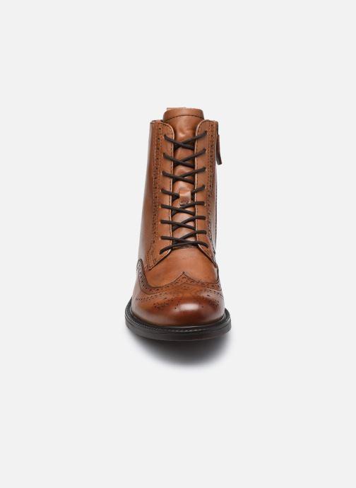Bottines et boots Tamaris Eve Marron vue portées chaussures