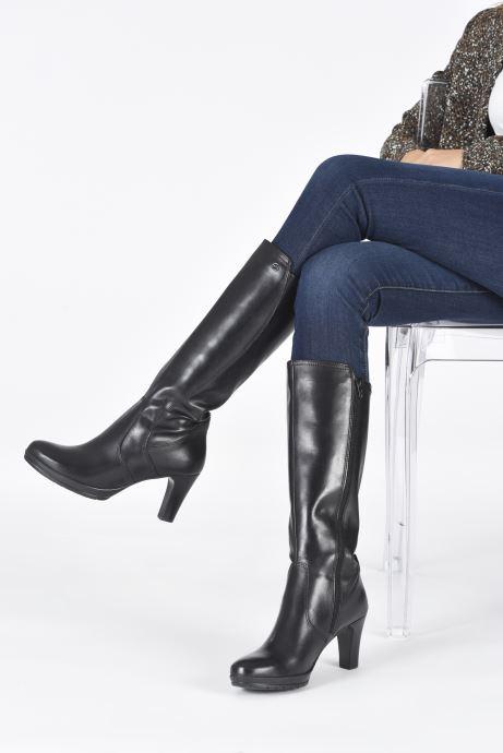 Stiefel Tamaris Nola schwarz ansicht von unten / tasche getragen