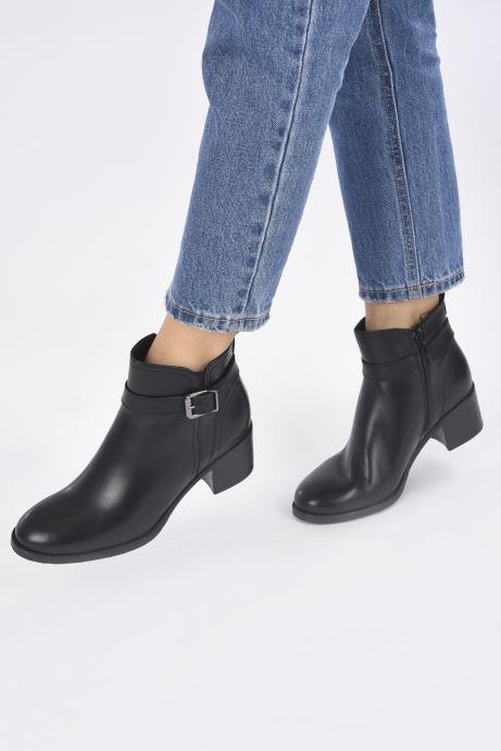 Stiefeletten & Boots Tamaris Tessa schwarz ansicht von unten / tasche getragen