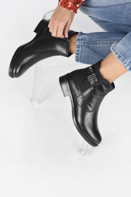 Bottines et boots Tamaris Gloria Noir vue bas / vue portée sac