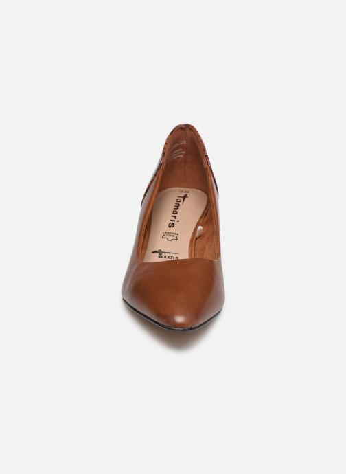 Zapatos de tacón Tamaris Clelie Marrón vista del modelo