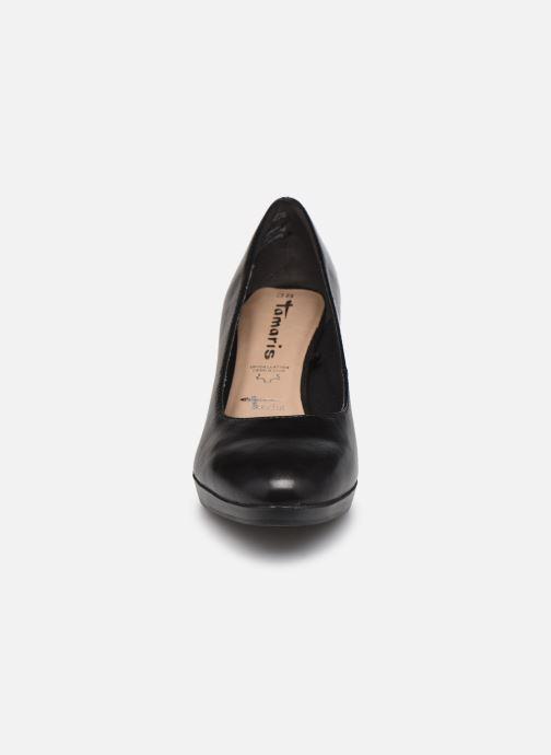 Zapatos de tacón Tamaris Shayla Negro vista del modelo