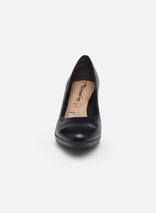 Zapatos de tacón Tamaris Shayla Azul vista del modelo