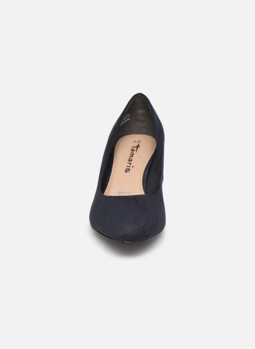 Zapatos de tacón Tamaris Georgia Azul vista del modelo