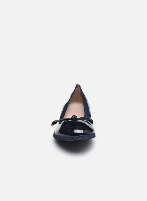 Ballerines LPB -LES PETITES BOMBES TINA Bleu vue portées chaussures