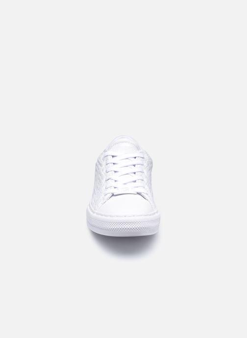Baskets Guess FL8GOL ELE12 Blanc vue portées chaussures