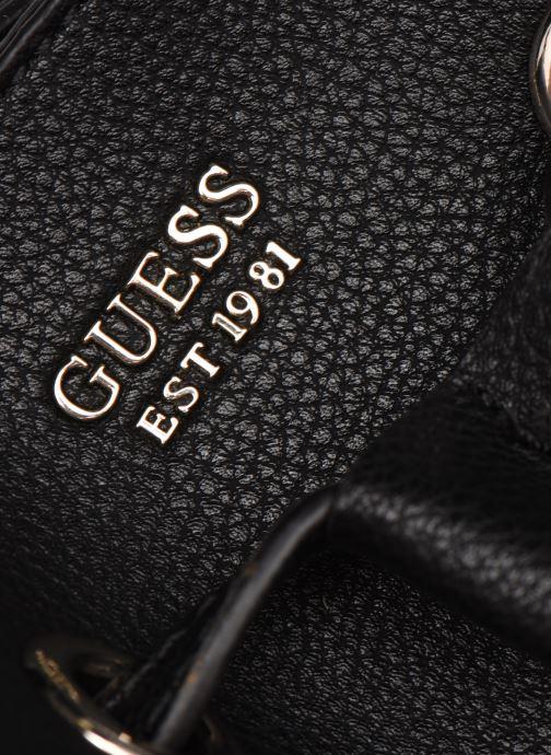 Handtaschen Guess DIGITAL DROWTRING BUCKET schwarz ansicht von links