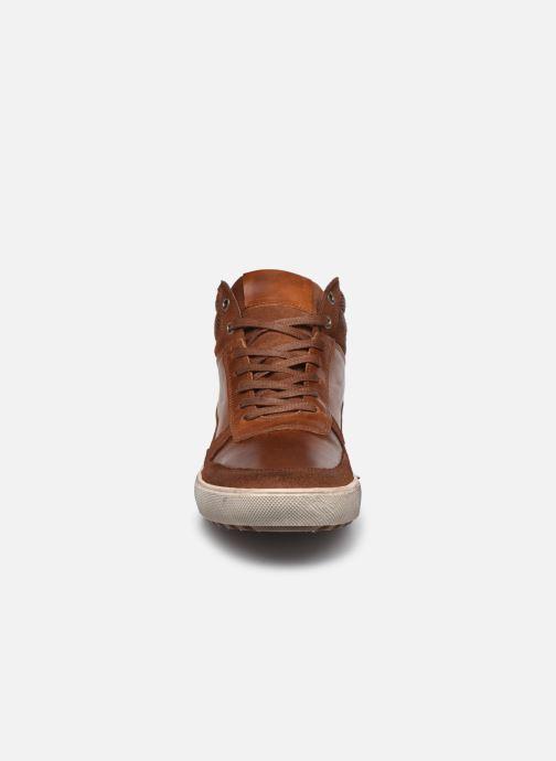 Sneakers Marvin&Co Wivero Marrone modello indossato